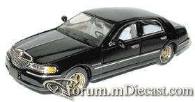 Lincoln Town Car 1998 4d.jpg