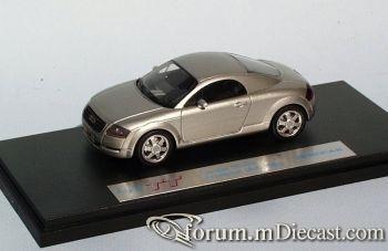 Audi TT Concept 1995.jpg