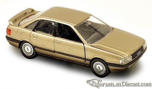 Audi B3 80 4d 1989 Schabak.jpg