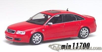Audi C5 RS6 4d 2002 Minichamps.jpg