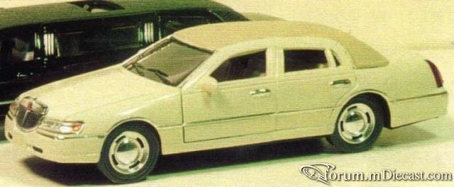 Lincoln Town Car 1998 4d-1.jpg