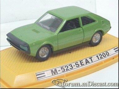 Seat 1200 1978 Pilen.jpg