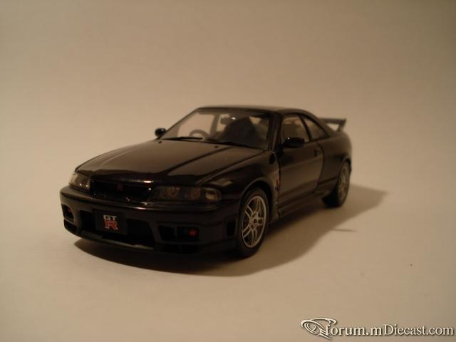 Nissan Skyline R33 Ebbro
