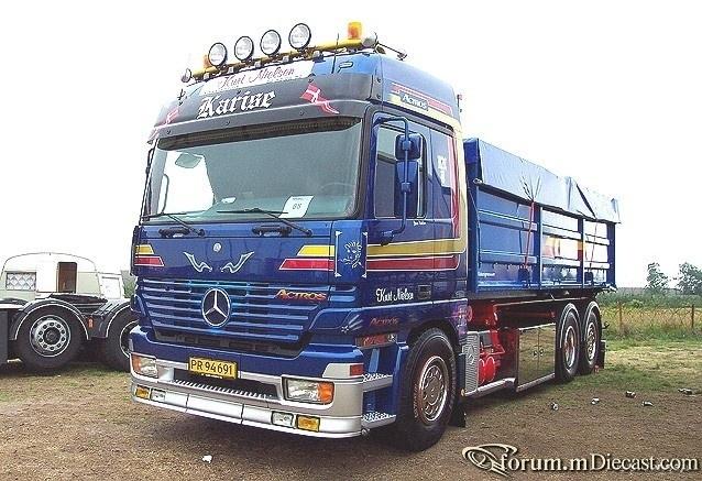 Actros-2553L-Cont-Abrollkipper-blaumet.jpg