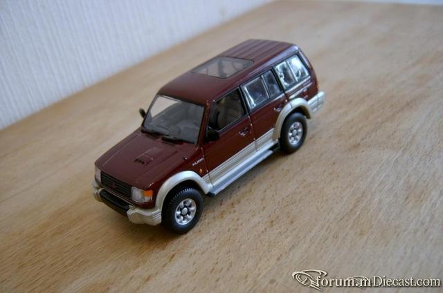 Mitsubishi Pajero LWB 2800 intercooler 1997 Minichamps