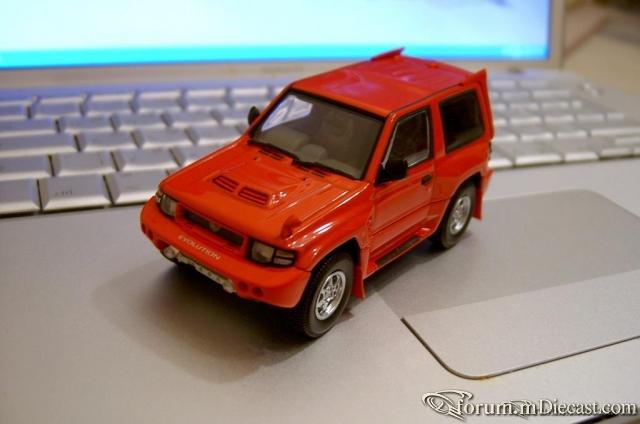 Mitsubishi Pajero EVO AutoArt