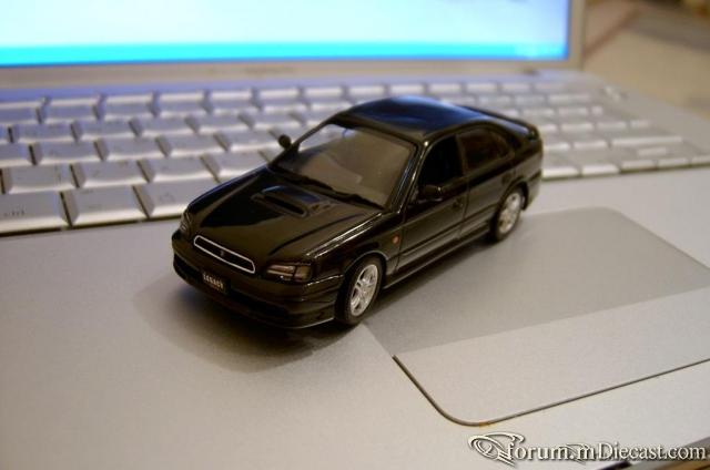 Subaru Legacy B4 AutoArt