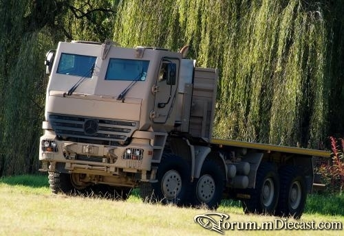 Actros Kanadian Army.jpg