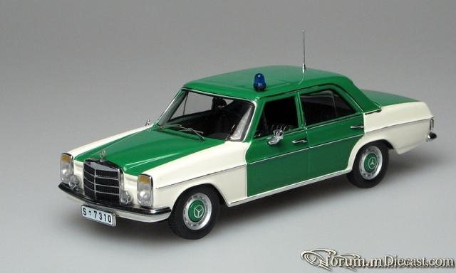 Mercedes-Benz W115 200/8 Autobahnpolizei IXO
