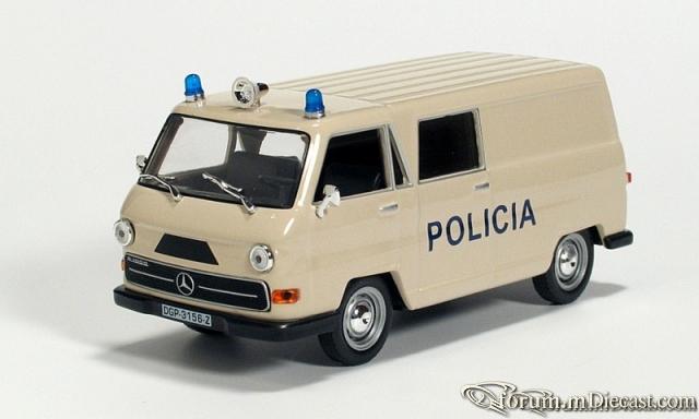 Mercedes-Benz N1000 Policia Altaya