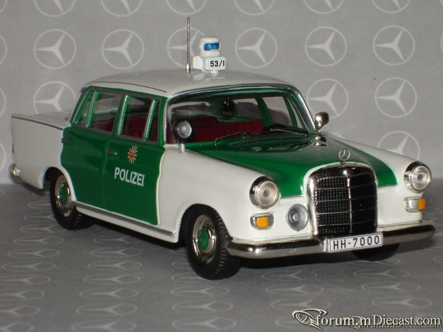 Mercedes-Benz W110 Hamburg Police 1966 Ixo
