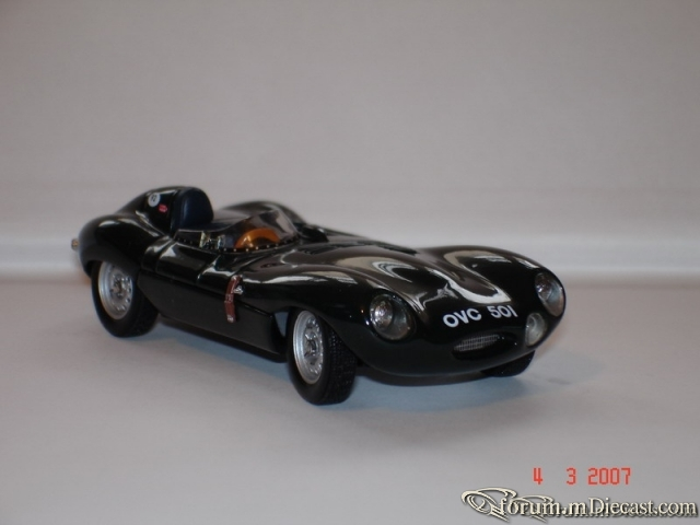 Jaguar D type Short Nose Autoart