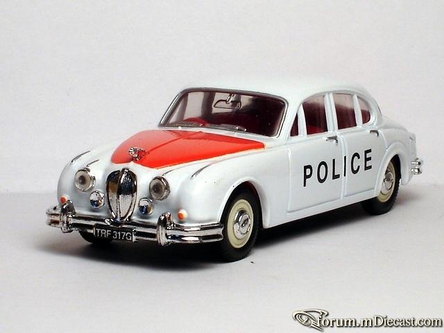Jaguar MK II Staffordshire Police Car Corgi