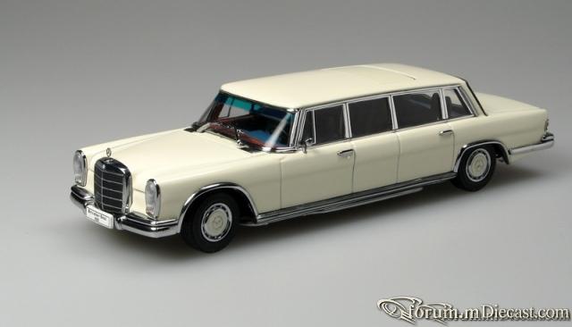 Mercedes-Benz W100 600 Pullman-Limousine Autoart