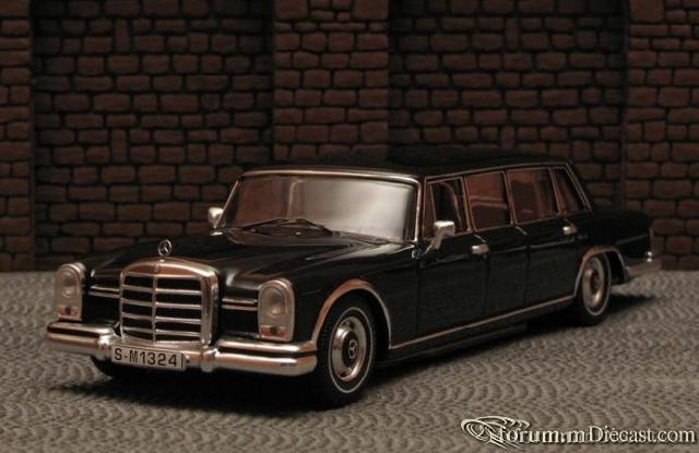 Mercedes-Benz W100 600 Pullman-Limousine Ixo