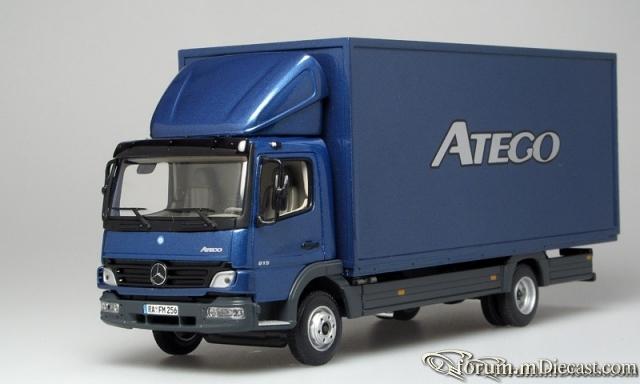Mercedes-Benz Atego 2004 815 Koffer Minichamps