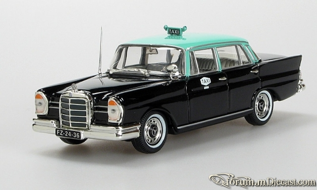 Mercedes-Benz W111 220 SE Taxi Lissbon Vitesse