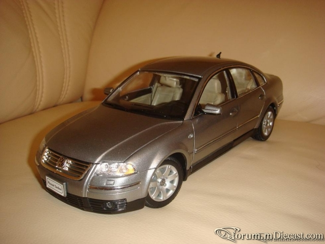 Welly 1:18 VW Passat B5+