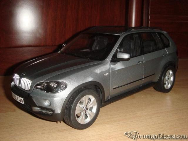 Kyosho 1:18 BMW X5 E70