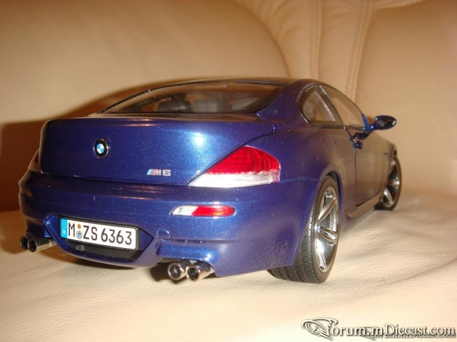 Kyosho 1:18 BMW M6
