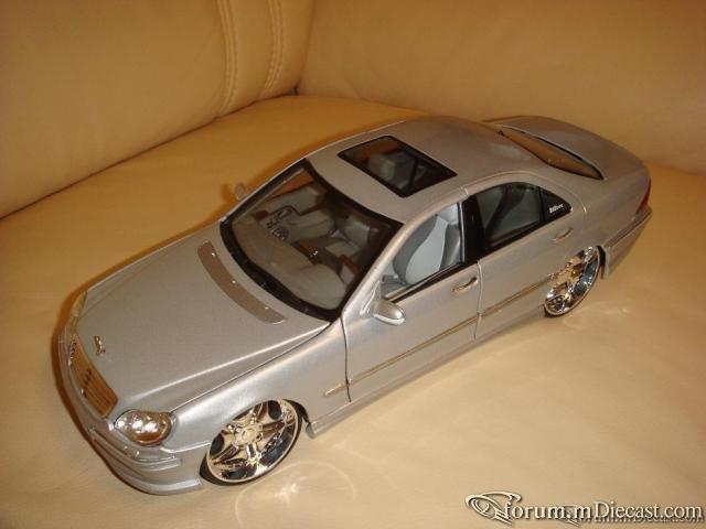 Maisto 1:18 Mercedes-Benz S55 AMG W220
