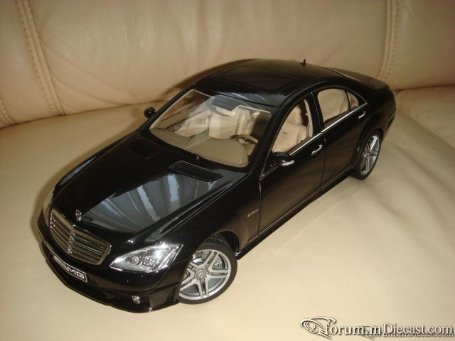 AutoArt 1:18 Mercedes S63 AMG