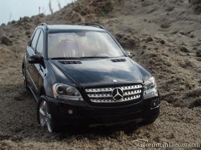 Minichamps 1:18 Mercedes-Benz ML