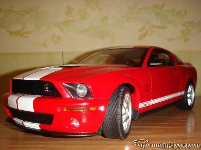 AutoArt 1:18 Ford Shelby GT500