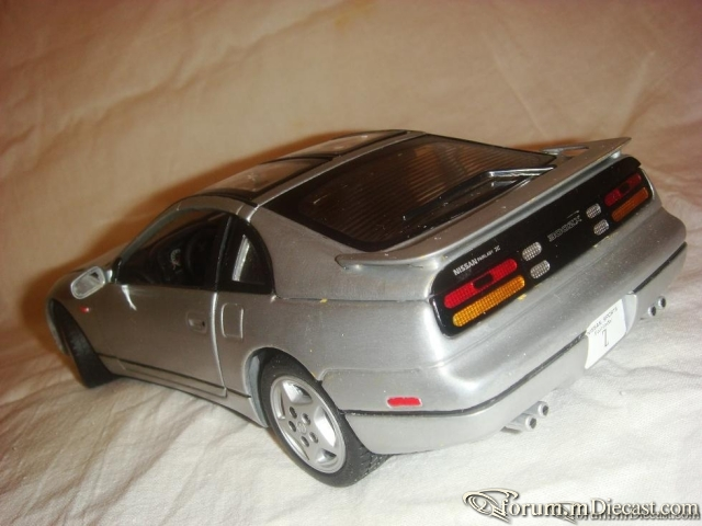 Kyosho 1:18 Nissan 300ZX