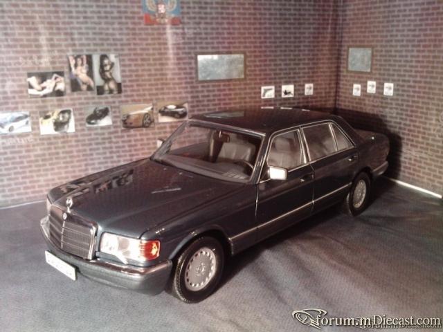 Norev 1:18 Mercedes 560 SEL (W126)