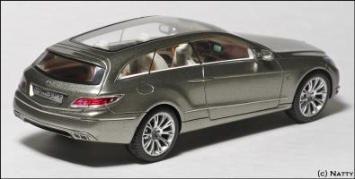 Прикрепленное изображение: 2008 Mercedes-Benz Fascination Concept - Minimax - B66960233 - 2_small.jpg