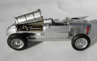 Прикрепленное изображение: Auto Union Type A, Winner of the 1934 German Grand Prix_2.jpg