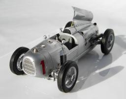 Прикрепленное изображение: Auto Union Type A, Winner of the 1934 German Grand Prix_1.jpg