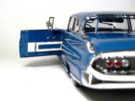 Прикрепленное изображение: 1958 Lincoln Conti Mark III-13.JPG