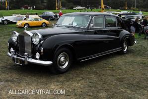Прикрепленное изображение: Rolls-Royce_Phantom_V_PV23_James_Young_Limo_sn-5LVF49_1967_ADE0055_Pebble-Beach-2008.jpg