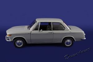 Прикрепленное изображение: BMW 1600 Autoart 75022_03.JPG