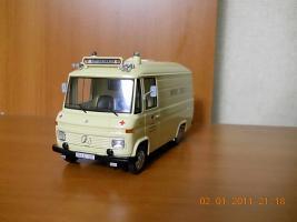 Прикрепленное изображение: Colobox_Mercedes-Benz_L408_Rettungswagen_Schuco~01.jpg