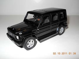 Прикрепленное изображение: Colobox_Mercedes-Benz_G500_W463_AutoArt~01.jpg