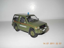 Прикрепленное изображение: Colobox_Mitsubishi_Pajero_Carabinieri_militari~03.jpg