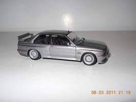 Прикрепленное изображение: Colobox_BMW_M3_E30_Ixo~06.jpg