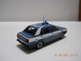 Прикрепленное изображение: Colobox_Alfa-Romeo_Giulietta_Polizia-Polizei_ProgettoK~02.jpg