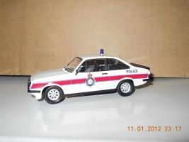 Прикрепленное изображение: Colobox_Ford_Escort_Mk2_RS2000_Police_Trofeo~02.jpg