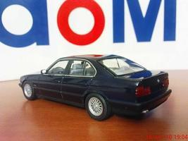Прикрепленное изображение: Colobox_BMW_535i_E34_Minichamps~04.jpg
