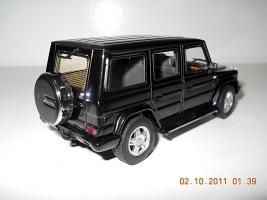 Прикрепленное изображение: Colobox_Mercedes-Benz_G500_W463_AutoArt~02.jpg