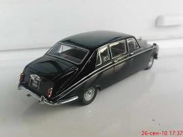 Прикрепленное изображение: Colobox_Daimler_DS420_Oxford~03.jpg