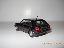Прикрепленное изображение: Colobox_VW_Golf_A2_GTI_Schabak~03.jpg