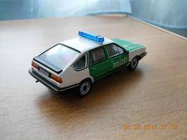 Прикрепленное изображение: Colobox_VW_Passat_B2_Polizei_WhiteBox~02.jpg