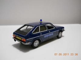 Прикрепленное изображение: Colobox_Renault_30_Gendarmerie_Norev~04.jpg