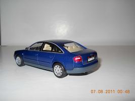 Прикрепленное изображение: Colobox_Audi_A6_C5_Minichamps~02.jpg