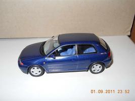 Прикрепленное изображение: Colobox_Audi_A3_Minichamps~03.jpg